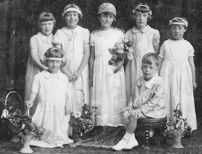 Joan Hope, front left aged 5, with Marple Rose Bud Queen 1928 Miss Margaret Jarvis