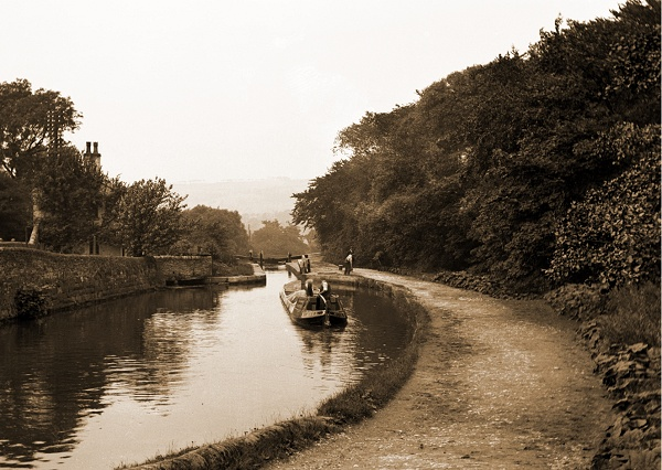 May - Peak Forest Canal, Lock 6